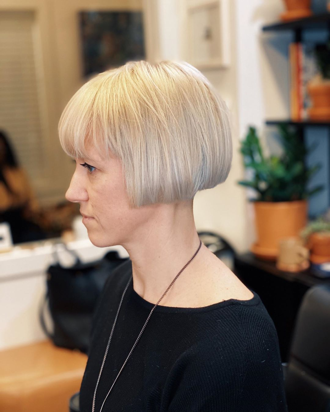 10 Best Short Hairstyles For Long Face